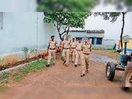 व्यवसायी से मांगे 5 लाख रुपए, मना करने पर फावड़े व पत्थर से हमला, दो गिरफ्तार बड़वानी,Barwani - Money Bhaskar