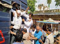 पहले बेरिकेड पर पुलिस के साथ हुई धक्का-मुक्की; स्टेशन मास्टर को ज्ञापन देने के बाद गिरफ्तारी, बाद में छोड़ा|गुना,Guna - Money Bhaskar