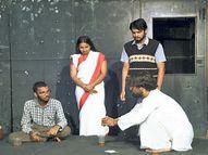 विवादों का पगला घोड़ा; मंच पर बीड़ी फूंकी, दर्शक बोले- कैरेक्टर के लिए यह जरूरी था क्या|जयपुर,Jaipur - Money Bhaskar