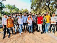 भाजयुमो ने जोन कार्यालय घेरा; कहा- निगम की लापरवाही से मौत, सफाई नहीं होने से जलकुंभी में फंसा|भिलाई,Bhilai - Money Bhaskar