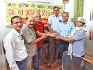 पूर्णिमा तक 1600 से ज्यादा लाेगाें काे वितरित की दमा एवं श्वास की औषधि|सोनकच्छ,Sonkutch - Money Bhaskar