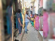 डेंगू के 43 नए केस, 4 हजार घरों में जांच, 65 में मिला लारवा, घर-घर जाकर स्वास्थ्य विभाग की टीम कर रही लोगों को जागरूक गुरदासपुर,Gurdaspur - Money Bhaskar