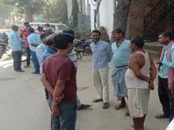 वाराणसी में सड़क पर मिला बिहार निवासी अधेड़ का शव, सिर के पिछले हिस्से पर लगी थी चोट गया,Gaya - Money Bhaskar