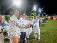 मेधावी विद्यार्थियों व कोरोना काल में सेवा देने वालों का किया सम्मान|सेंधवा,Sendhwa - Money Bhaskar