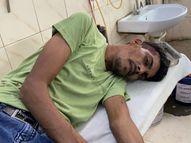 8-10 बदमाशों से बचने के लिए युवक पोस्ट ऑफिस में घुसा, हमलावरों ने डाकघर में घुसकर किया घायल हिसार,Hisar - Money Bhaskar