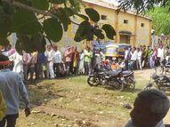 पुलिस के पहरे में बंट रहा खाद, एक बोरी खाद के लिये हजारों किसानों की कतार|छतरपुर (मध्य प्रदेश),Chhatarpur (MP) - Money Bhaskar