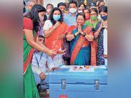देशभरात आजपासून लसीकरण; महाराष्ट्रामध्ये सर्वाधिक 28,500 आरोग्य कर्मचाऱ्यांना डोस|मुंबई,Mumbai - Divya Marathi