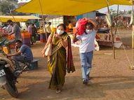 खांद्यावर भाज्यांची पिशवी घेऊन जाताना दिसले औरंगाबादचे आयएएस, सोशल मीडियावर होतेय तोंडभर कौतुक|औरंगाबाद,Aurangabad - Divya Marathi
