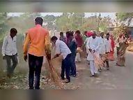निकालानंतर उमेदवारांनी हातात खराटे घेत गावात राबवली स्वच्छता मोहीम; केज तालुक्यातील पैठण गावामधील तरुणांच्या पॅनलचा अनोखा उपक्रम बीड,Beed - Divya Marathi
