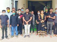 મહીસાગરના આઉટસોર્સિંંગના કર્મીઓને મળવાપાત્ર નાણાં ન મળતાં 'બ્લેક ડે' ઉજવ્યો|લુણાવાડા,Lunavada - Gujarati News