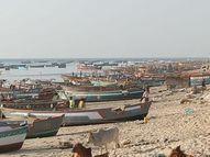 રૂપેણ બંદરથી નિયમોને નેવે મૂકી માછીમારી કરતી 27 હોડીઓના લાઇસન્સ રદ કરાયા, ટોકન લીધા વગર સમુદ્રમાં માછીમારી કરવા જતાં 90 દિવસ સુધી લાઇસન્સ જપ્ત|દ્વારકા,Dwarka - Gujarati News