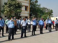વીજ કંપનીના ખાનગીકરણ સામે પાલનપુરના કર્મચારીઓનો કાળીપટ્ટી ધારણ કરી વિરોધ|પાલનપુર,Palanpur - Gujarati News