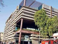 પશ્ચિમ અમદાવાદના માલેતુજાર દર્દી પૈસા ખર્ચી સારવાર કરાવી શકતા હોવાથી ખાનગી હોસ્પિટલોમાંથી મ્યુનિ. ક્વોટાના બેડ નાબૂદ કરો|અમદાવાદ,Ahmedabad - Gujarati News