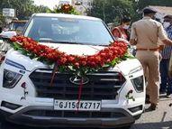 લગ્ન પ્રસંગે જતી કારમાં યુવતીએ માસ્ક ન પહેર્યુ હોવાથી 1 હજારનો દંડ, આજે વધુ 114 પોઝિટિવ, કેસનો કુલ આંકઃ 17,691 થયો|વડોદરા,Vadodara - Gujarati News