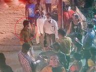 વલસાડમાં નશામાં આવેલો યુવકે ફાટેલી નોટ આપી સમાન માંગ્યો, કપડાં ઉતારવાની ધમકી આપતા લોકોએ મેથીપાક આપ્યો|વલસાડ,Valsad - Gujarati News