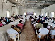 કોરોનાને લીધે ગીર-સોમનાથના ફિશ એક્સપોર્ટરોના 1 હજાર કરોડ, માછીમારોના 700 કરોડ ફસાયા, મત્સ્યોદ્યોગ ઠપ થવાની કગાર પર|વેરાવળ,Veraval - Gujarati News