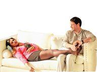 પત્નીના પગ દબાવનાર પતિ નમાલો કહેવાય?|મધુરિમા,Madhurima - Divya Bhaskar