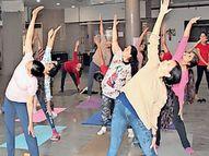 'યોગા એટ હોમ વીથ ડિફરન્ટ હેલ્થ ઇશ્યુ'|સુરત,Surat - Divya Bhaskar