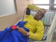 મરોલીની HLE કંપનીમાં કેમિકલ લીકેજથી 7 કામદારને આંખમાં બળતરા, પેટમાં દુ:ખાવો|નવસારી,Navsari - Divya Bhaskar