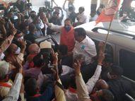 કોંગ્રેસ વિપક્ષ માટે પણ લાયક નથી, આમ આદમી પાર્ટી 16 બેઠક જીતી એ જીતી ના કહેવાયઃ વિજયોત્સવમાં વિજય રૂપાણી|પાલિકા-પંચાયત ચૂંટણી,Municipal Election - Divya Bhaskar