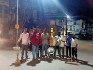 ડભોઇ નગર પાલિકા દ્વારા નગરના જાહેરમાર્ગો પર સફાઇ અભિયાન|છોટા ઉદેપુર,Chhota Udaipur - Divya Bhaskar