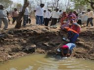 વણારસી ગામે ડુંગર ફળિયાના લોકો વેરીમાંથી ગંદુ પાણી પીવા મજબૂર બન્યા|વાંસદા,Vansda - Divya Bhaskar