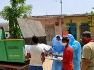 મહારાષ્ટ્રના ધુલેમાં કચરાની ગાડીમાં મૃતદેહ લઈ જવો પડ્યો, 10 કલાક સુધી એમ્બ્યુલન્સ ના આવી|ઈન્ડિયા,National - Divya Bhaskar
