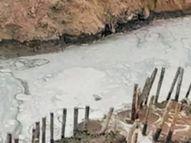 મહેસાણા રાજકમલ પેટ્રોલપંપ નજીક મેઇન લાઇન તૂટતાં એકલાખ લીટર પાણી વેડફાયુ|મહેસાણા,Mehsana - Divya Bhaskar