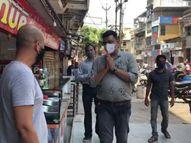 નવસારીમાં સ્વૈચ્છીક બંધ ન પાળતા કેટલાક વેપારીઓને પાલિકા પ્રમુખે હાથજોડી ધંધો બંધ રાખવા અપીલ કરી નવસારી,Navsari - Divya Bhaskar