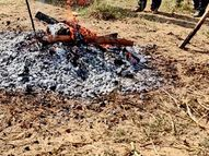 મણુંદ બાદ સંડેરમાં પણ પાંચ ગામ પાટીદાર સમાજ દ્વારા મૃતકની ગામમાં જ અંતિમવિધિ કરવા નિર્ણય પાટણ,Patan - Divya Bhaskar