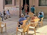 જિલ્લામાં 45 ઉપરના 1.96 લાખ લોકોએ વેક્સિન લીધી નવસારી,Navsari - Divya Bhaskar