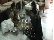 નવસારીમાં કોરોનાગ્રસ્ત દર્દીઓની વ્હારે આવી પદ્મામતી સંસ્થા, કોવિડ દર્દીઓને પૂરી પાડે છે ભોજનની સુવિધા નવસારી,Navsari - Divya Bhaskar