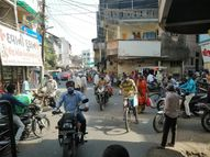 ખેરગામમાં શનિ-રવિના બંધ બાદ સોમવારે બજારમાં લોકો ખરીદી કરવા દોડ્યા ખેરગામ,Khergam - Divya Bhaskar