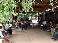 મહારાષ્ટ્ર રાજ્યની સરહદે આવેલા ડાંગના ઉગા ચીચપાડા સહિતના ગામમાં કોરોનાને નો એન્ટ્રી|નવસારી,Navsari - Divya Bhaskar