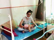 એક તરફ થેલેસેમિયાગ્રસ્ત માતા કિંજલબહેનને લોહી ચડાવાતું, બીજી તરફ તેઓ બાળકીને સ્તનપાન કરાવતા|અમદાવાદ,Ahmedabad - Divya Bhaskar