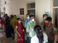 મહેસાણા સિવિલમાં 2 કલાકમાં જ રસી ખૂટી, 30ને ધક્કો|મહેસાણા,Mehsana - Divya Bhaskar