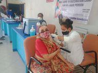 વાપીમાં વેક્સિનેશન ફરી શરૂ,1 દિ'માં 6 કેન્દ્રો પર 900ને રસી વાપી,Vapi - Divya Bhaskar