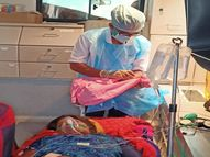 ધારીમાં 108માં જ સગર્ભાની પ્રસુતિ કરાવી માતા અને બાળકને બચાવાયા|અમરેલી,Amreli - Divya Bhaskar