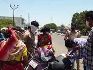 અંકલેશ્વર ત્રણ રસ્તા સર્કલ સ્થિત શાકમાર્કેટ પાસે રસ્તામાં વાહનો પાર્ક કરતા ચાલકો દંડાયા|અંકલેશ્વર,Ankleshwar - Divya Bhaskar