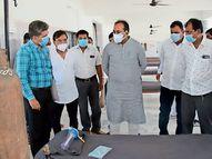 દ્વારકા જિલ્લાના લાંબા, ભોગાત, ભાટિયા, દાત્રાણા, વડત્રા અને ભરાણાના આરોગ્ય કેન્દ્રની મુલાકાતે રાજ્યમંત્રી|જામનગર,Jamnagar - Divya Bhaskar