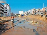 किशनपुरा रोड की हालत एक साल से खराब, अफसर नहीं दे रहे ध्यान|जीरकपुर,Zirakpur - Dainik Bhaskar