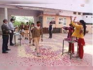 जिले के 498 स्कूल में पहले दिन 40,821 विद्यार्थी पहुंचे, पुष्पवर्षा से किया स्वागत|पाली,Pali - Dainik Bhaskar