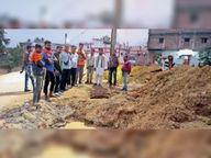 केबल बिछाने पाइपलाइन को पहुंचा रहे हैं नुकसान, वार्ड-24 में पानी सप्लाई प्रभावित डोंगरगढ़,Dongargarh - Dainik Bhaskar