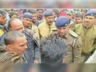 महरादेऊर बाजार में पुलिसिया कार्रवाई नहीं किए जाने से नाराज ग्रामीणों ने रोड जाम कर किया हंगामा|गोपालगंज,Gopalganj - Dainik Bhaskar