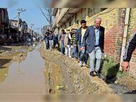 नगर निगम में 250 लोगों का हंगामा, इलाका वासियों के पक्ष में उतरे डिप्टी मेयर सहित 8 पार्षद पानीपत,Panipat - Dainik Bhaskar