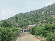 बराबर पहाड़ी क्षेत्र की सुरक्षा को लेकर पुलिस ने इलाके में किया एरिया डॉमिनेशन|जहानाबाद,Jehanabad - Dainik Bhaskar