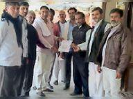 किसान सभा ने डीआरएम के नाम स्टेशन अधीक्षक को दिया ज्ञापन|गच्छीपुरा,Gachhipura - Dainik Bhaskar