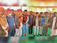 छह ग्रामीण डाक सेवक सेवानिवृत, माला व साफा पहनाकर दी विदाई|बाड़मेर,Barmer - Dainik Bhaskar