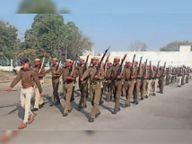 पुलिस टुकड़ियों ने मार्च पास्ट व बच्चों ने पीटी-डंबल की रिहर्सल|रेवाड़ी,Rewari - Dainik Bhaskar