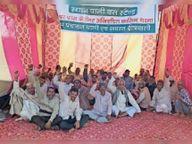 पाली फाटक पर अंडरपास की मांग पर अनिश्चितकालीन धरना जारी|रेवाड़ी,Rewari - Dainik Bhaskar